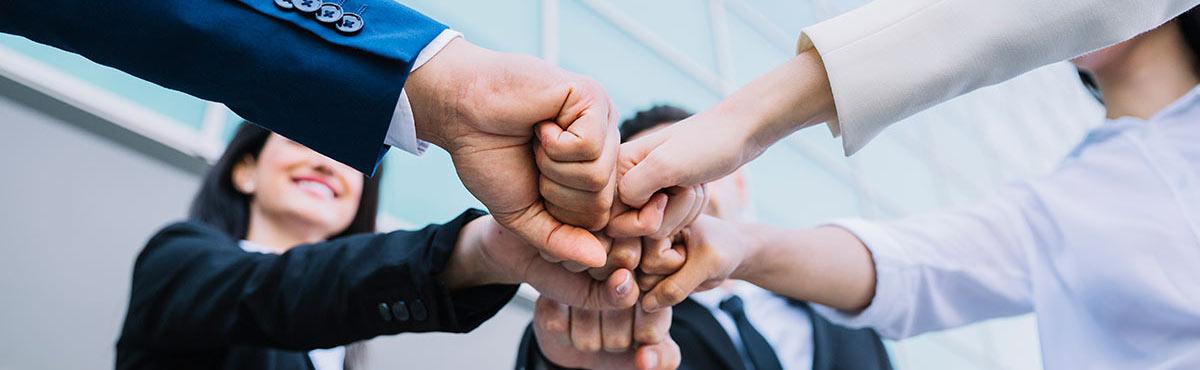 ידיים עבודת צוות